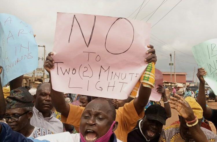 ELECTRICITY TARIFF: TIME TO ORGANISE WITH MASS ACTION